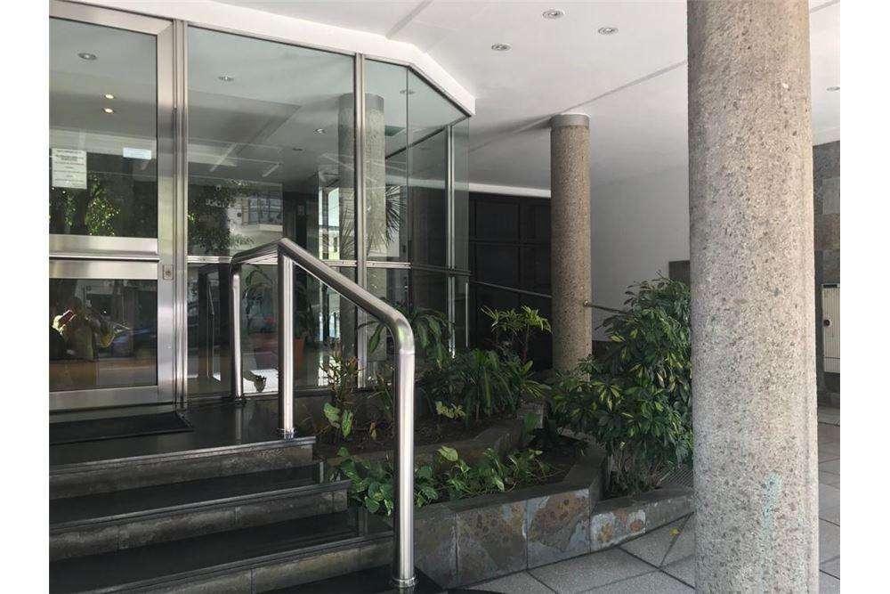 Alquiler Monoambiente con balcón