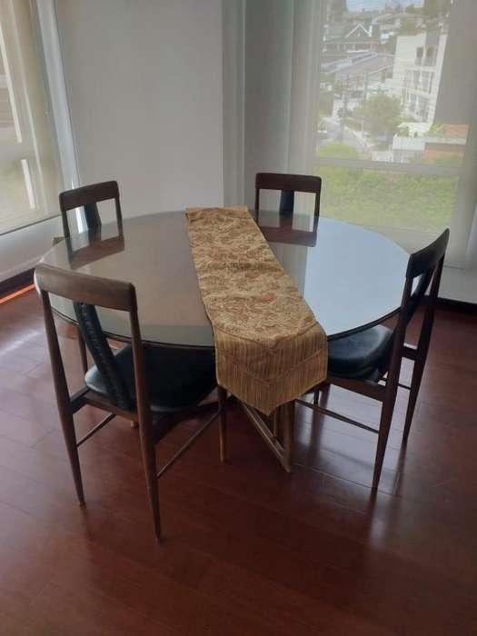 Comedor de madera tratada en muy buen estado 6 <strong>sillas</strong>