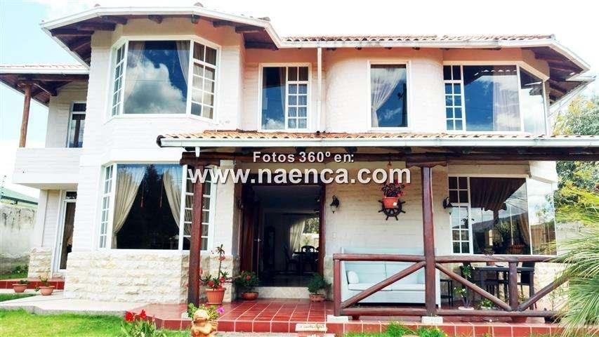 Venta de Casa en el Valle de Los Chillos, Sector Sangolqui