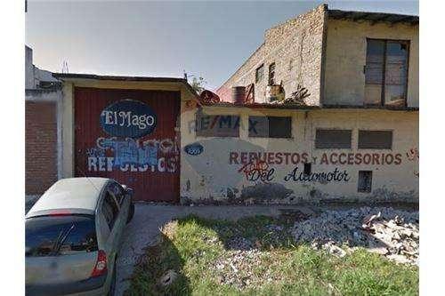 Lote de 7.79x32, GALPON/DEPOSITO Avellaneda