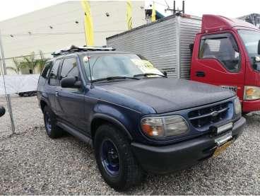 Ford Explorer 1999 - 100000 km