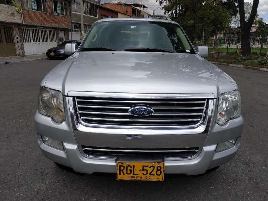 Ford Explorer 2010 - 97000 km