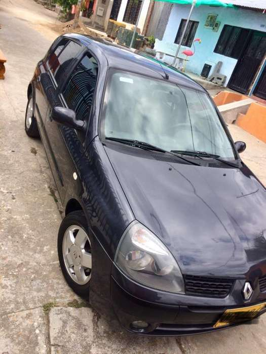 Renault Clio  2010 - 102000 km