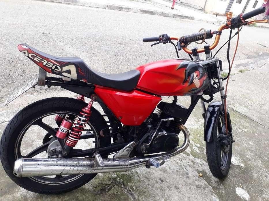 Moto Ax100