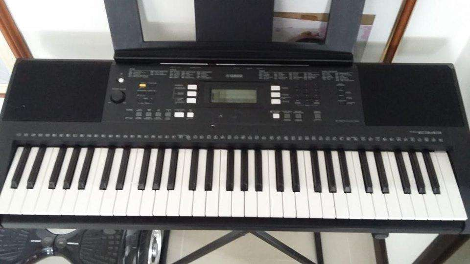 Teclado digital YAMAHA Psr-E343 Con base