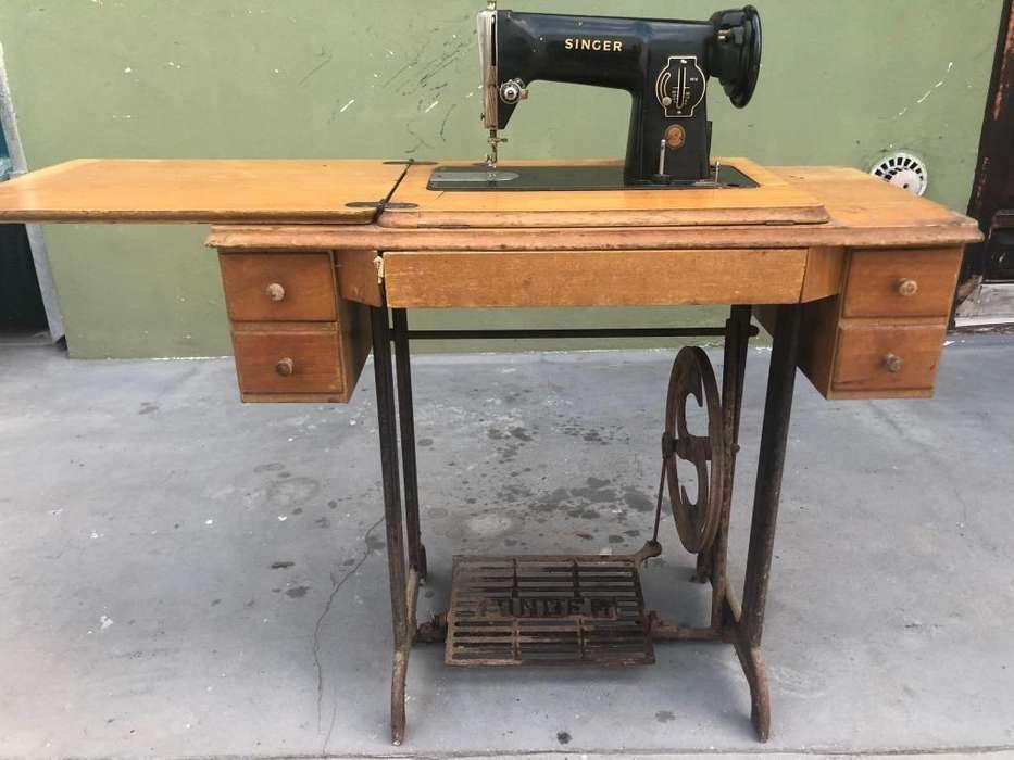 Mquina de coser antigua