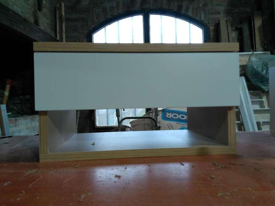 Mesa de Luz Flotante. medidas 45 X25x30