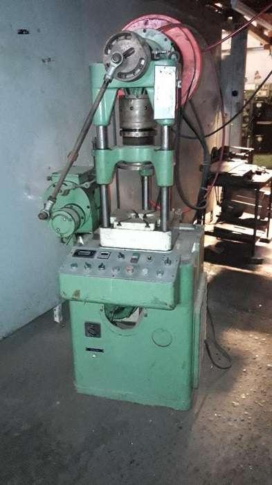 Prensa mecanica 12 tns con alimentador TRIVENETA