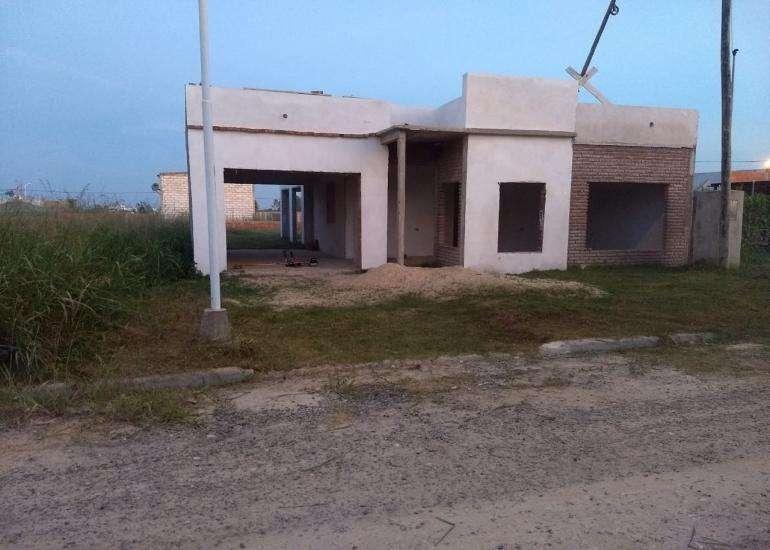 Se vende casa en construcción en zona Aeropuerto