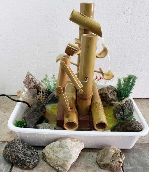Fuente de Agua con Movimiento en Caña de Bambú Hecha a Mano