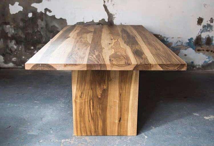 Mesa en Madera Dura