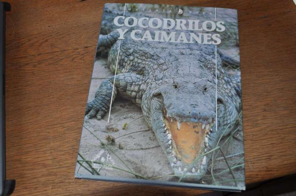 Vendo libro COCODRILOS Y CAIMANES en castellano, Tapa dura en formato grande