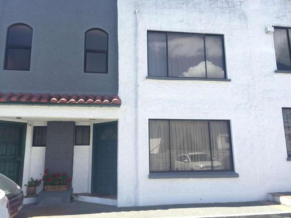 Hermosa Casa de tres pisos San Isidro del Inca Sector Embajada Americana 5 dormitorios 4 baños patio y terraza bbq