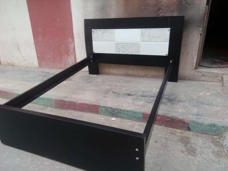 cama doble en madera. 1.40 x 1.90