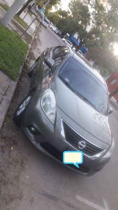 Nissan Versa 2013 - 170000 km