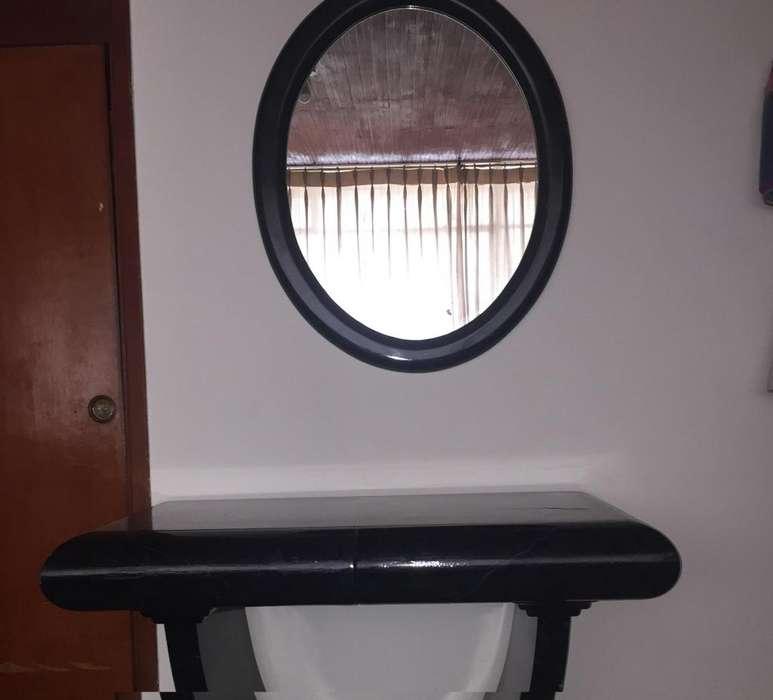 Tocador/ Peinadora en color negro a un excelente precio