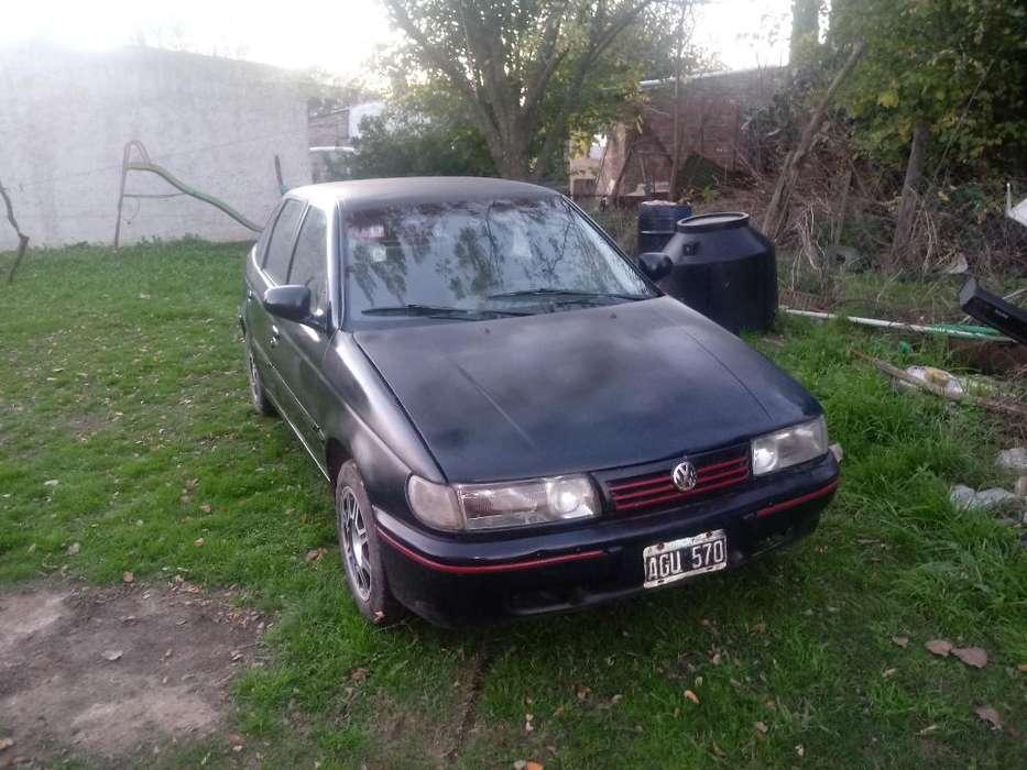 Volkswagen Pointer 1995 - 1111 km