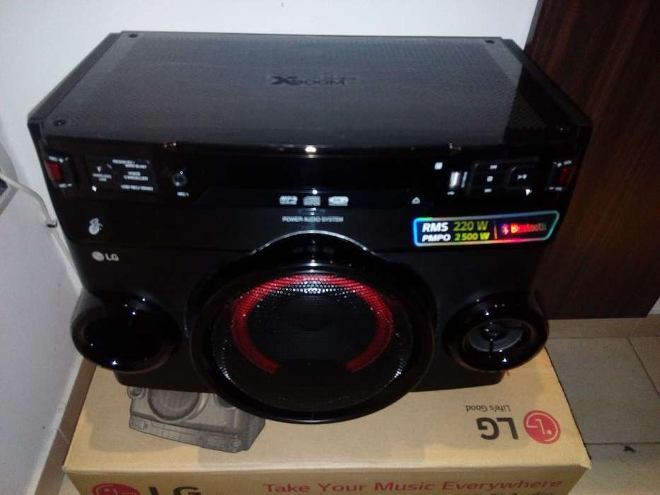 Minicomponente Lg 2500 W con Bluetooth