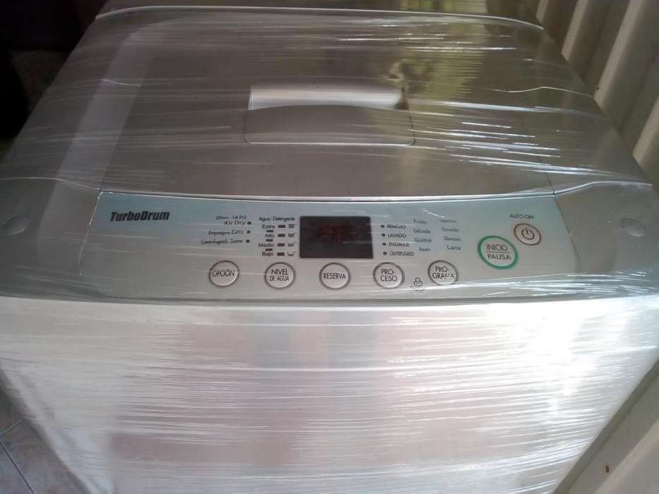Lavadora Marca Lg Turbodrum de 18 Lb