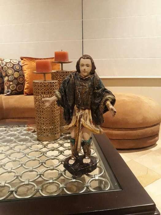 Escultura en Madera 40 Cm