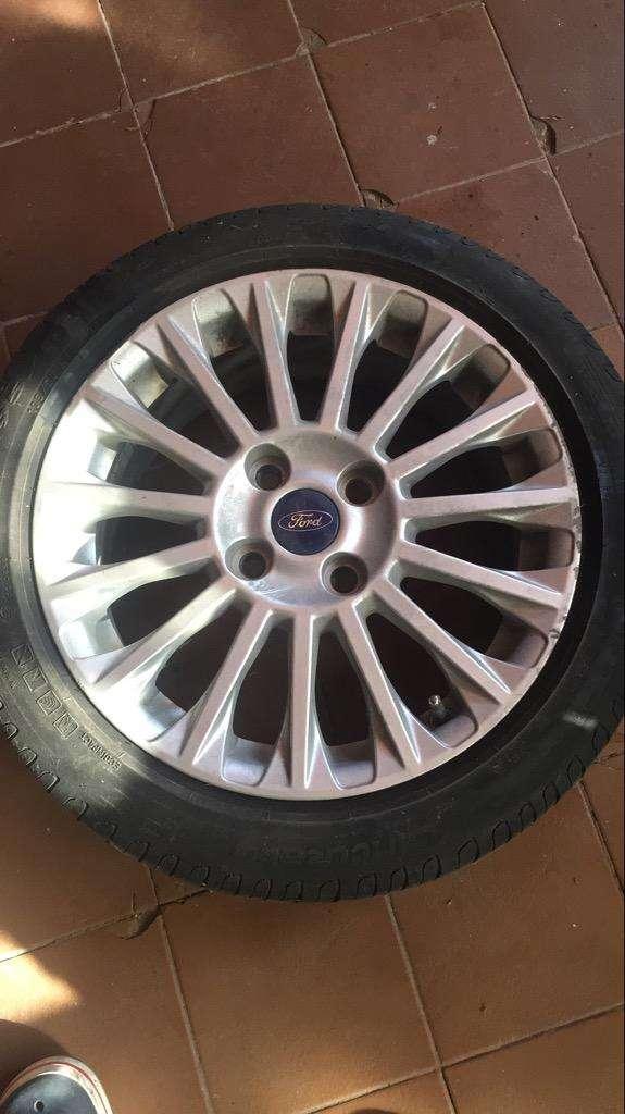 "Llanta Ford Fiesta Kinetic 16"""