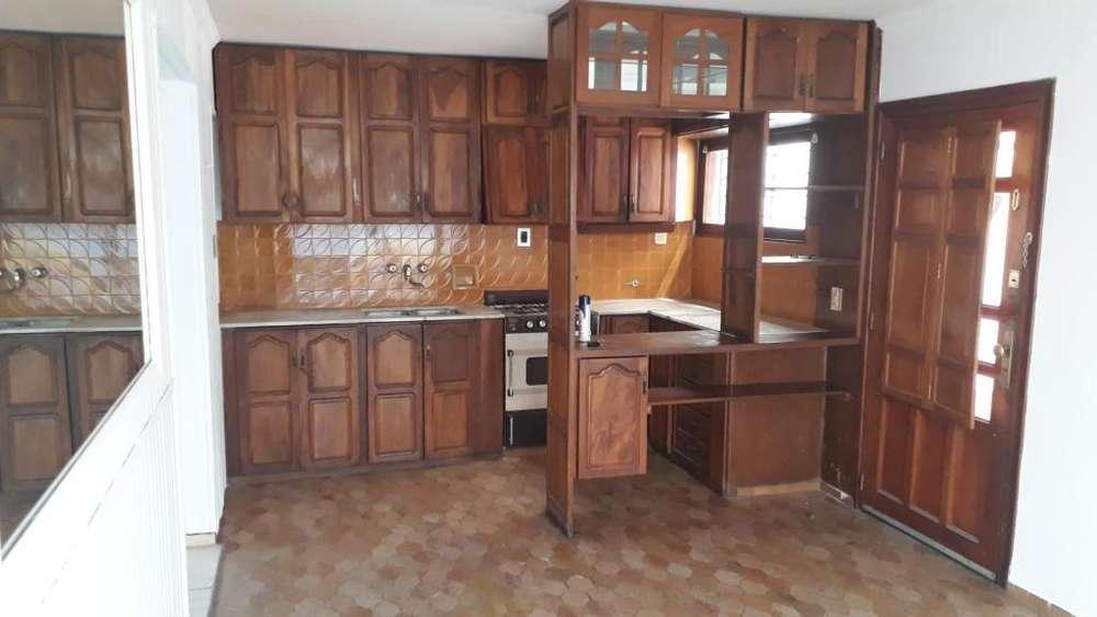 Rosendo Lastra Y Gordillo 4700 - 21.000 - Casa Alquiler