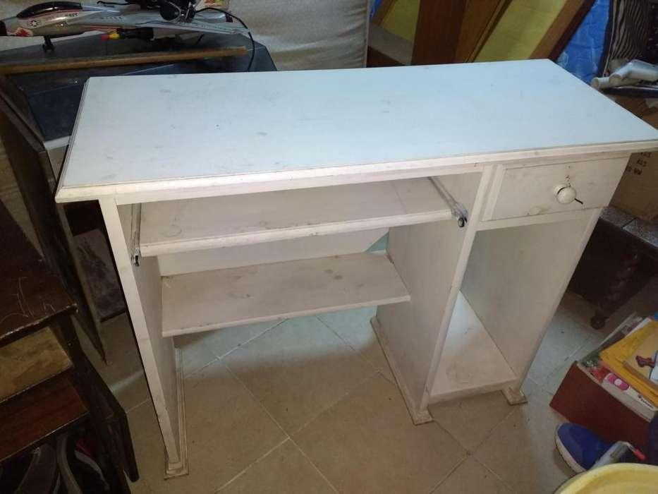 <strong>escritorio</strong> de madera patina blanca