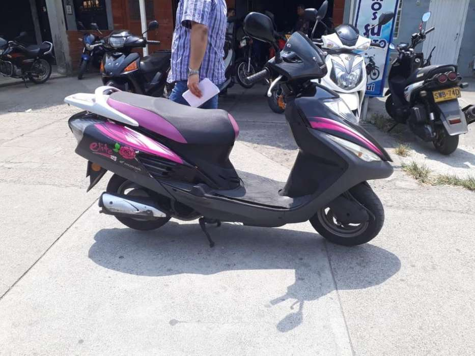 Honda Elite 2012 Al Dia