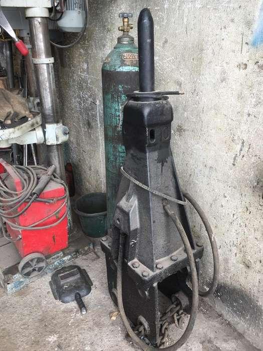 Martillo Hidraulico para Retroexcavadora