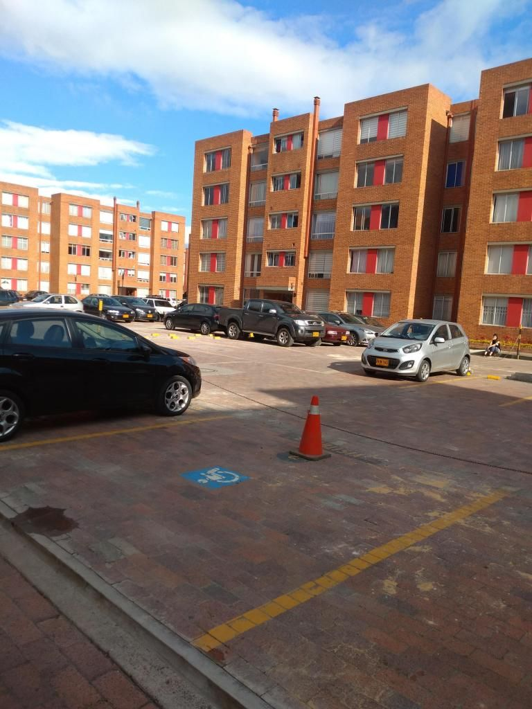 APARTAMENTO EN ARRIENDO EN MAZUREN S443-1360