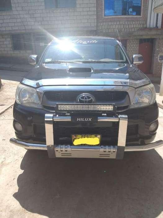 Toyota Hilux 2011 - 137354 km