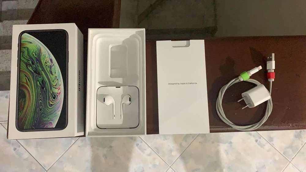 iPhone Xs 64Gb, Color Negro - negociable