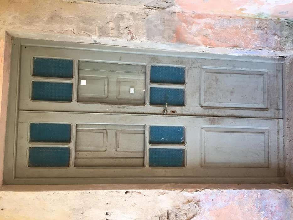 Vendo puertas antiguas de madera