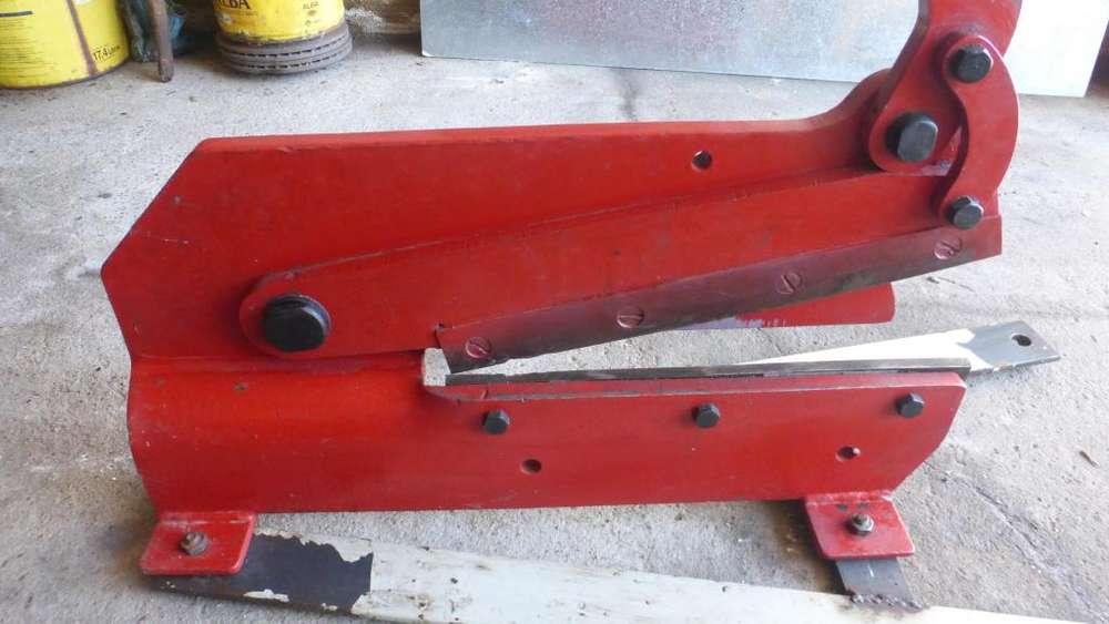 Vendo cizalla manual para chapa Largo de corte 400 mm