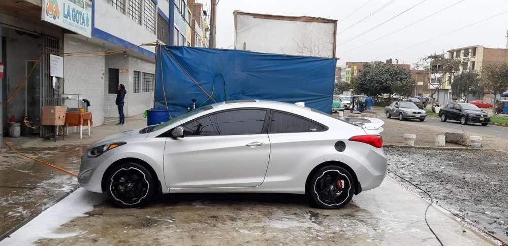 Hyundai Elantra Coupe 2012 - 29000 km
