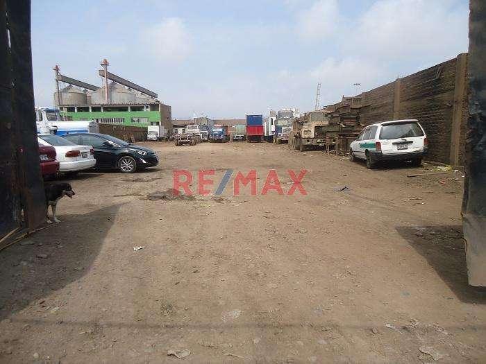 Terreno En Venta De 2,385.00 m2 en zona industrial del Callao