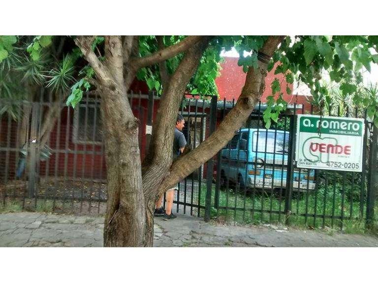 Casa 3 Ambs c/Galpon 16m2 - Lacroze 5900 - Villa Libertad