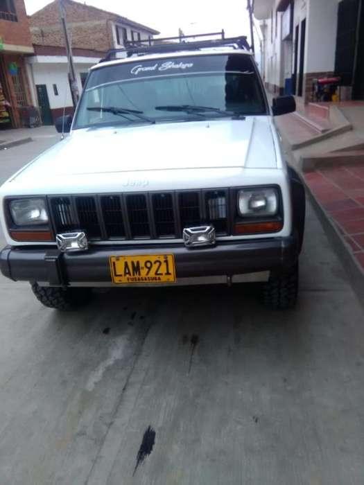 JEEP Cherokee 1996 - 134000 km