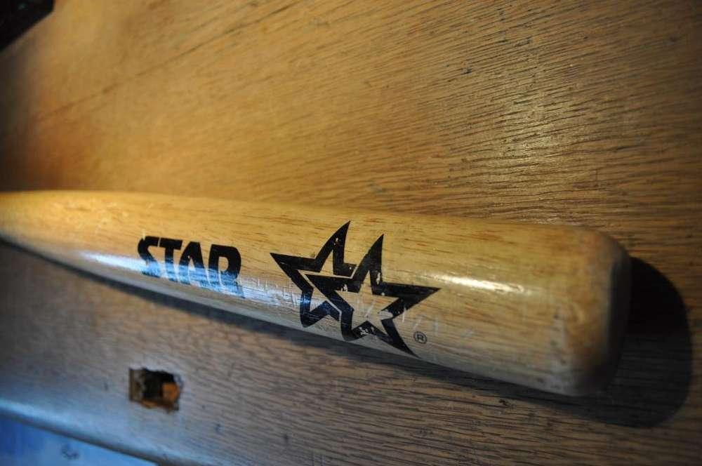 Vendo bate de baseball marca Star Dos Estrella, impecable, sin uso.