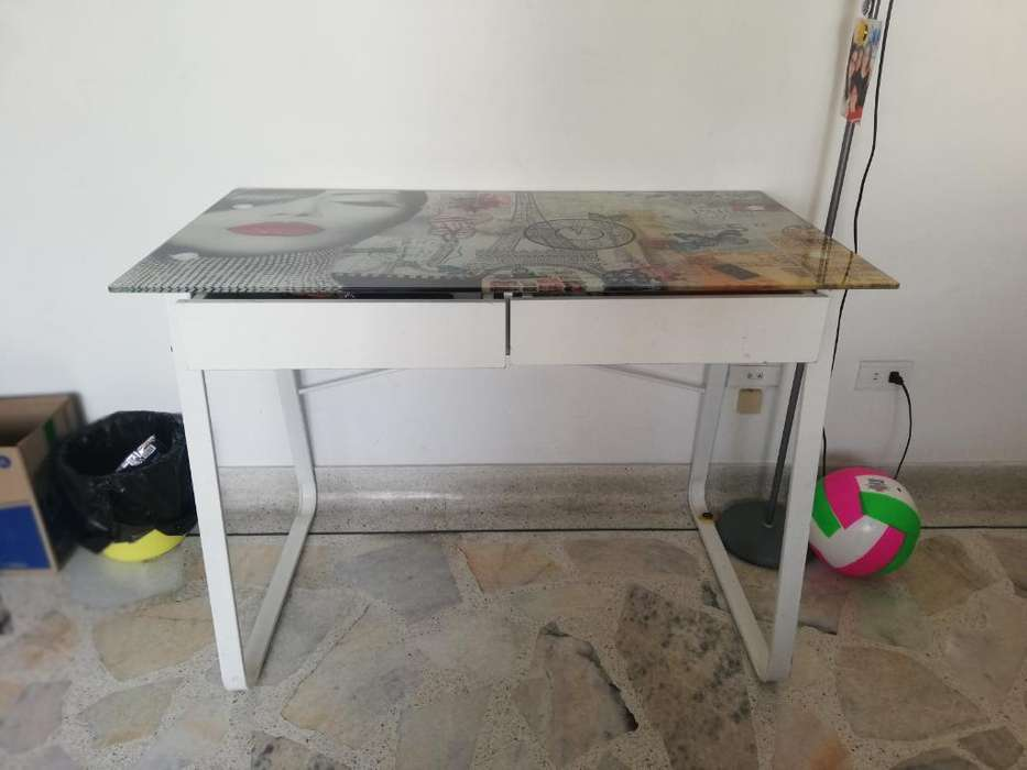 Vendo <strong>escritorio</strong> en Vidrio