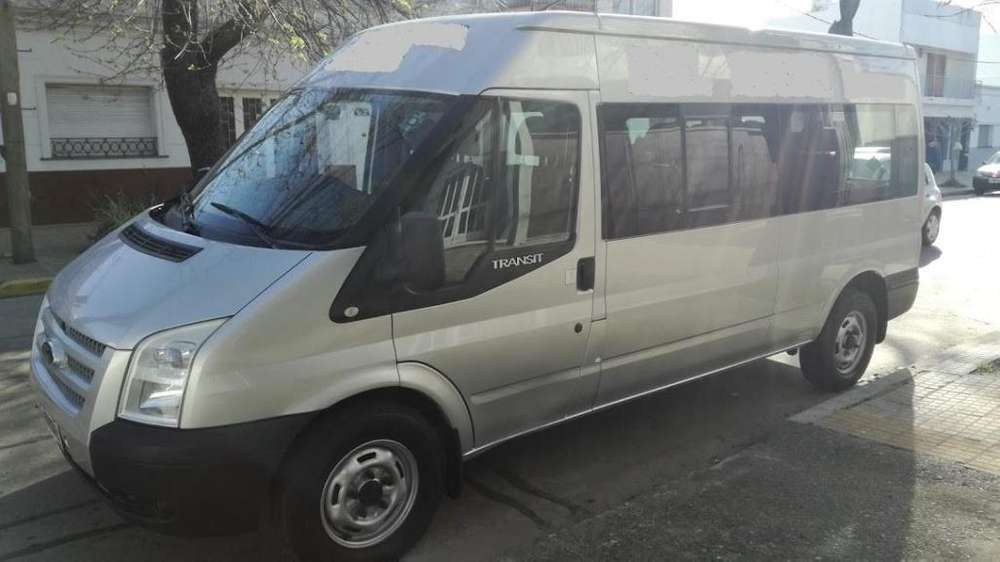 Ford Transit minibus 14mas1 asientos año2012. Excelente estado. Unico dueño 130000 km.