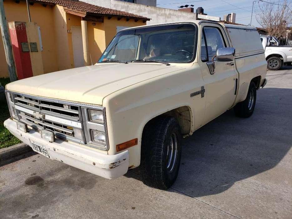 Chevrolet Silverado 1986 - 111111 km