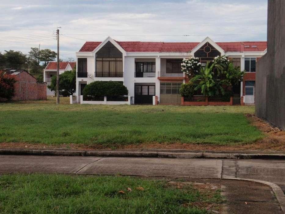 LOTE 240 M2 EN CONDOMINIO FRENTE HOTEL PEÑALISA RICAURTE-CUNDINAMARCA
