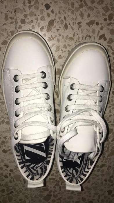Zapatos <strong>zara</strong>
