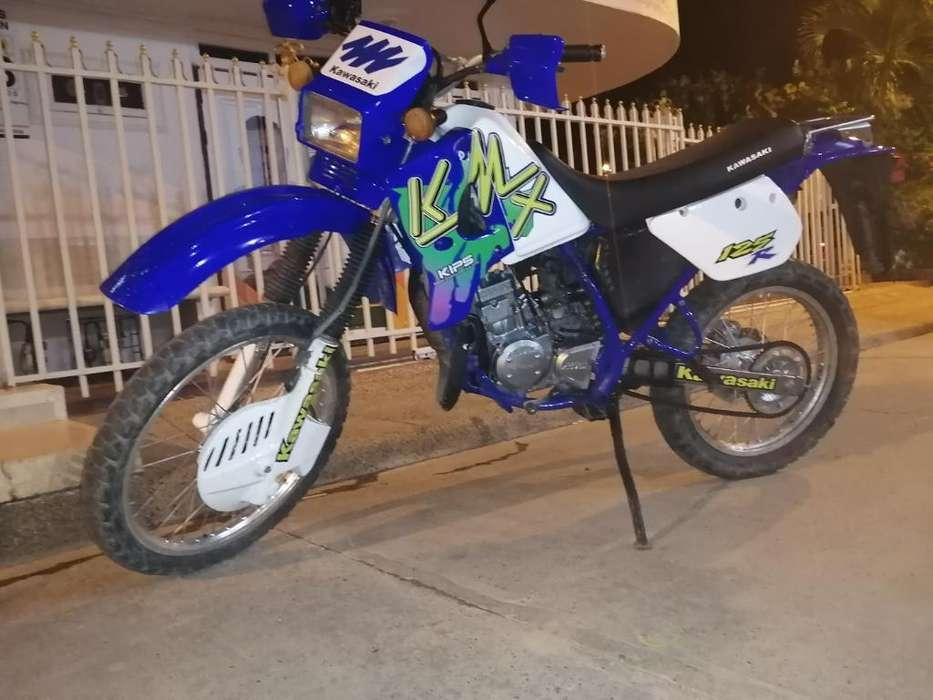 Kawasaki Kmx 125 R, Modelo 2004, 10/10