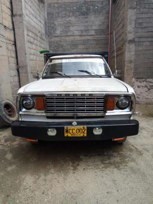 <strong>dodge</strong> D-100 1978 - 500000 km