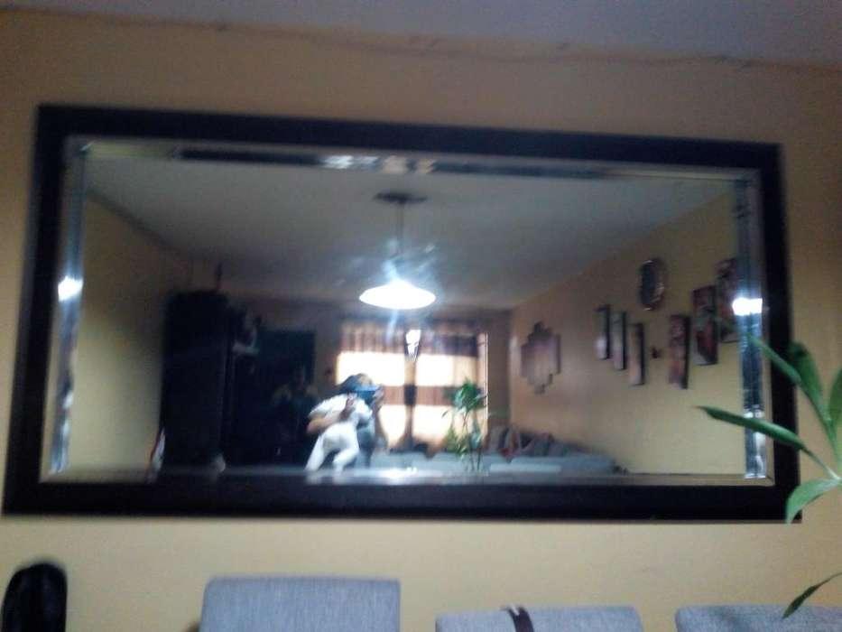 Espejo en Madera Y Acero