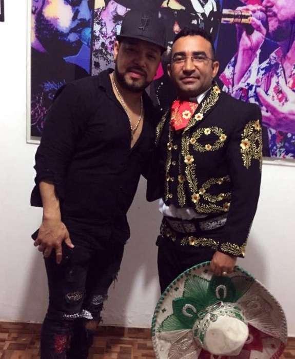 Pablo Mieles y mariachis