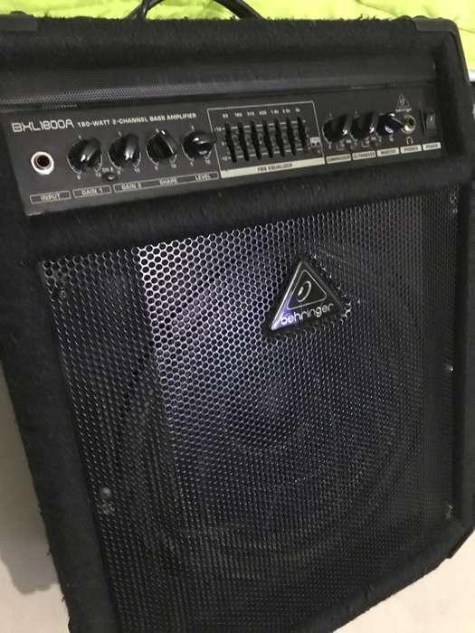 Amplificador de bajo Behringer Bxl1800