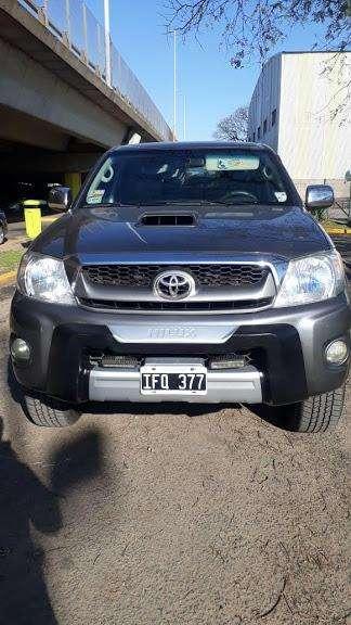 Toyota Hilux 2009 - 180000 km